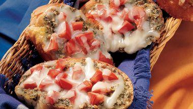 Pesto and Tomato Crostini