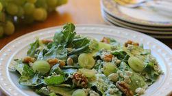 Grape, Lettuce and Walnut Salad