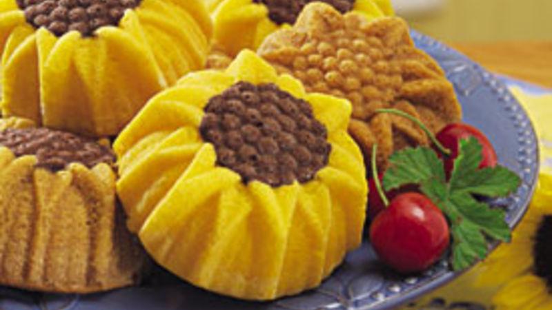 Mini Sunflower Cakes