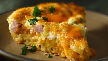 Macaroni and Cheese Ham Pie