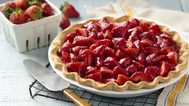 4-Ingredient Strawberry Pie