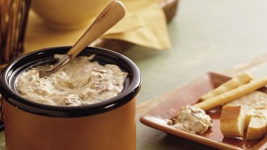 Slow-Cooker Smoky Bacon and Horseradish Dip