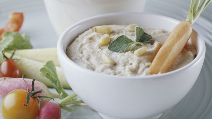 Skinny Hummus-Style White Bean Dip