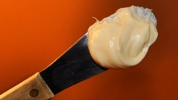 Creamy 5-Minute Cream-Cheese Frosting