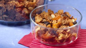 Crunchy Fruit Snack Mix