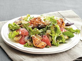Grilled Salmon and Grapefruit Salad