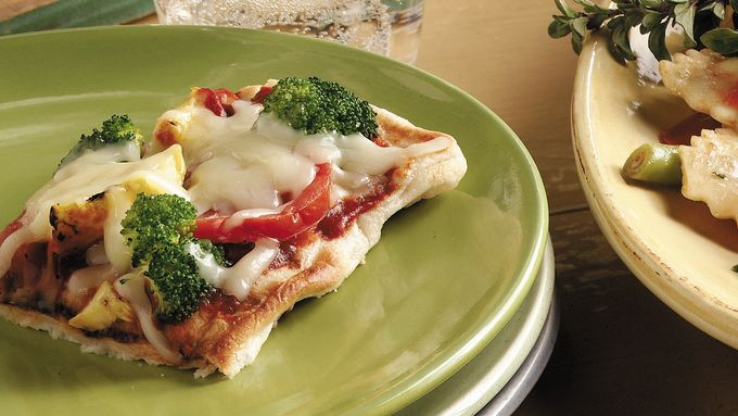Skinny Grilled Fresh Vegetable Pizza