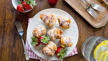 Mini Cinnamon Roll Breakfast Cupcakes