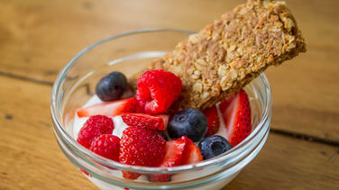 Crunchy Berry-Vanilla Breakfast