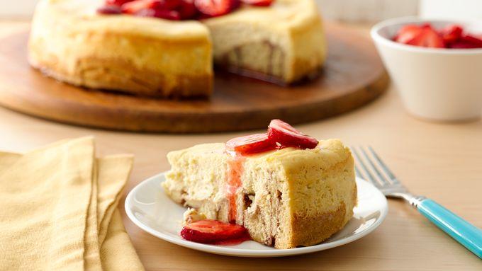 Cinnamon Roll Cheesecake