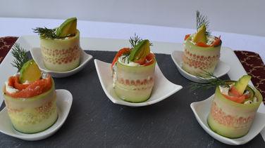 Rollitos Sofisticados de Salmon y Pepino