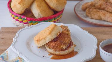 Pollo Frito al Horno con Salsa Chipotle Agridulce