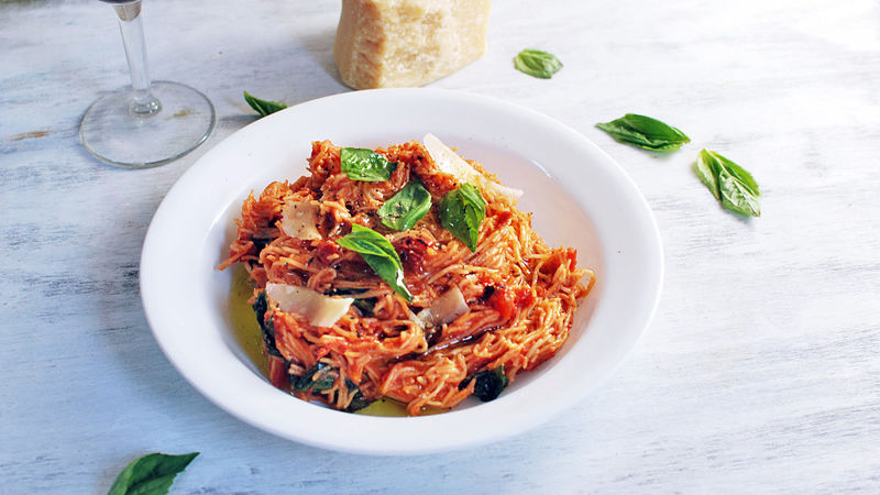 Angel Hair Pasta with Basil and Tomatoes