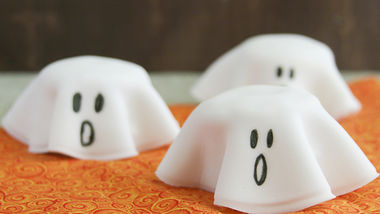 Halloween Ghost Cookie Stacks