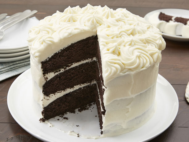 Dark Chocolate Cake With White Chocolate Frosting