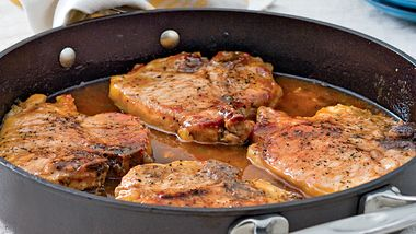 Pork Chops with Pepper Jelly Sauce