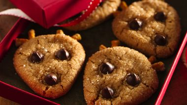 Easy Peanut Butter Reindeer Cookies
