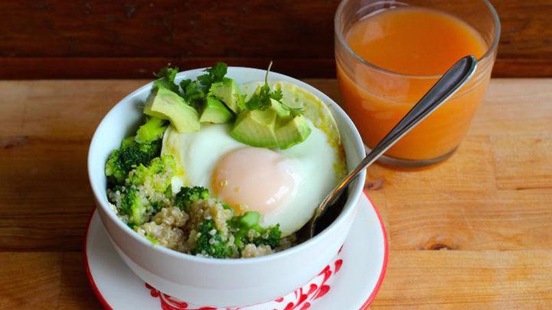 Bowl de Quinoa de Vegetables para el Desayuno