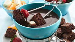 Fondue de Chocolate y Frambuesas con Brownies