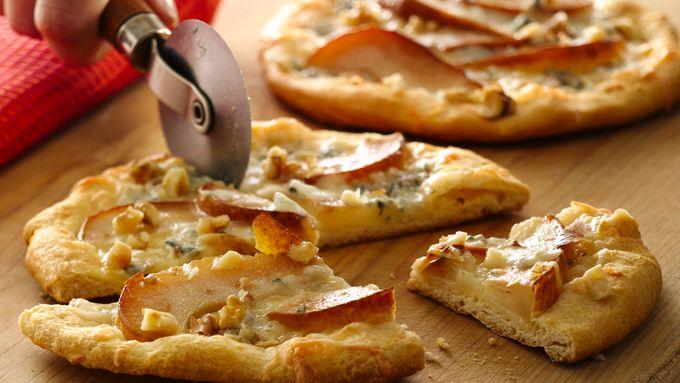 Grands!™ Pear and Gorgonzola Mini Pizzas