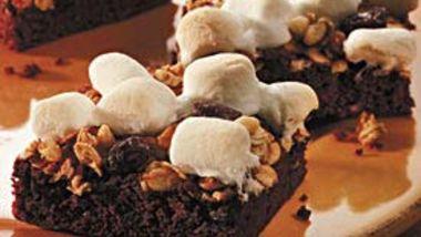 Marshmallow-Granola Brownies