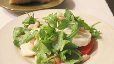Ensalada de Alubias, Tomate y Queso