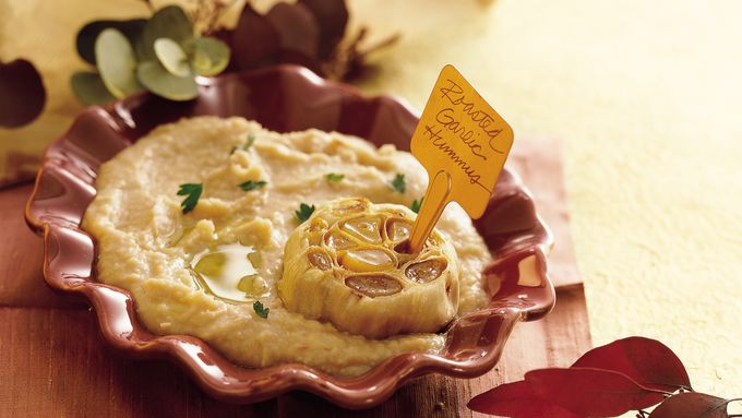 Gluten-Free Roasted Garlic White Bean Hummus