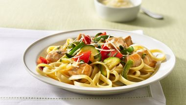 Fettuccine with Chicken and Herbed Vegetables