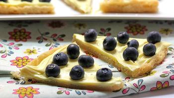 Lemon-Blueberry Cookie Pizza