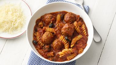 One-Pan Pasta and Meatballs