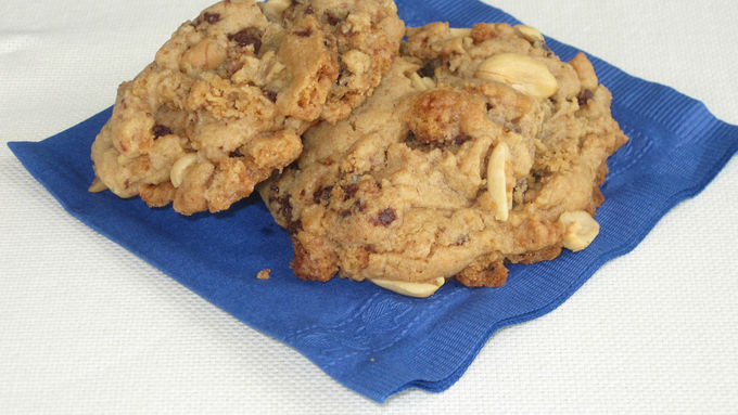Break-'Em-Up Chocolate Chip-Peanut Butter Cookies