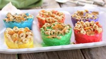 Fro-Yo Rainbow Breakfast Cups