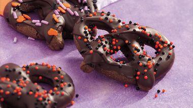 Chocolate Halloween Pretzels