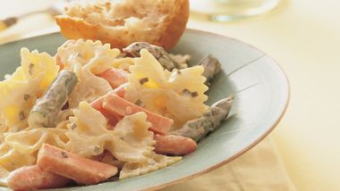 Creamy Bow-Ties with Ham and Vegetables