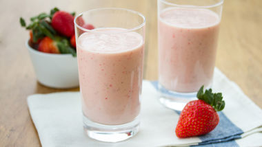 Strawberry-Orange Crème Smoothies