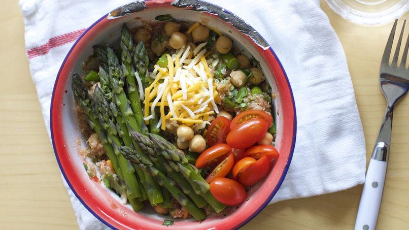 Burrito Bowl with Quinoa, Asparagus and Chick Peas