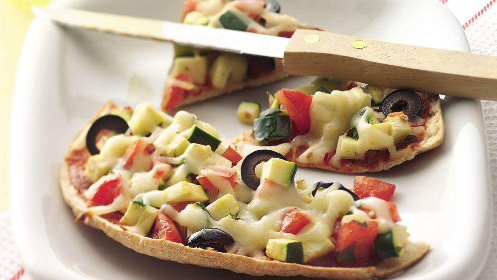 Veggies and Cheese Mini-Pizzas