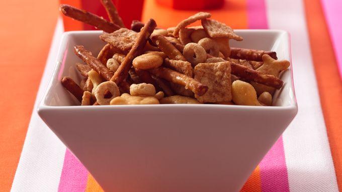 Crunchy Cinnamon Snack Mix
