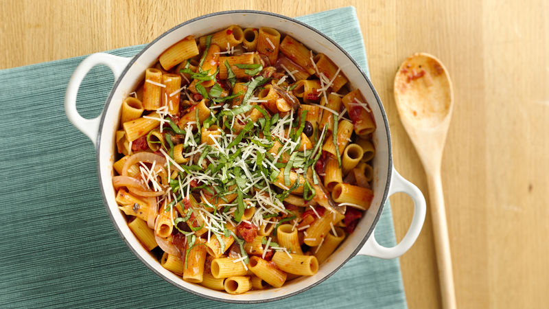 One-Pot Rigatoni with Spicy Tomato Sauce