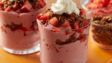Mixed Berry Cheesecake Smoothie Parfaits