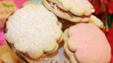 Alfajores with Caramel Filling