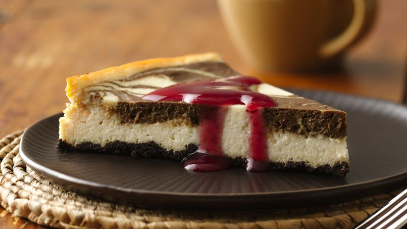 Chocolate Swirl Cheesecake with Raspberry Sauce