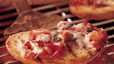Roasted Pepper Tomato Crostini