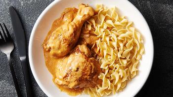 Slow-Cooker Creamy Chicken Paprikash