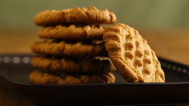 Bisquick® Gluten-Free Peanut Butter Cookies