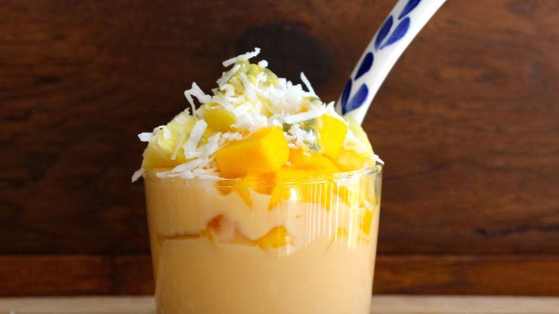 Parfait de Yogur y Frutas Tropicales