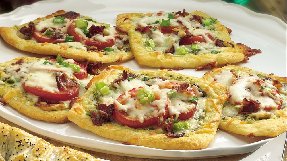 Crescent Breakfast Pizzas
