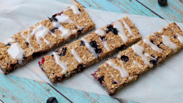 Granola, Yogurt and Blueberry Bars