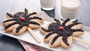 Black Widow Cookie Pops
