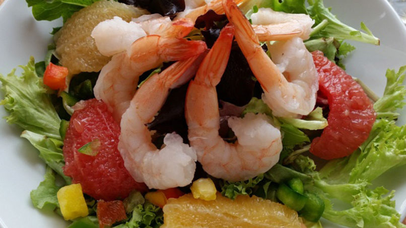 Shrimp and Citrus Fruit Salad